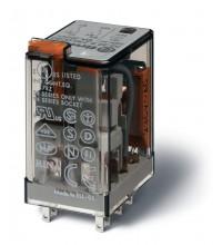 Реле миниатюрное универсальное электромеханич. монтаж в розетку 2CO 10А AgNi 24В DC RTI опции: кнопка тест + мех. индикатор FINDER 553290240040